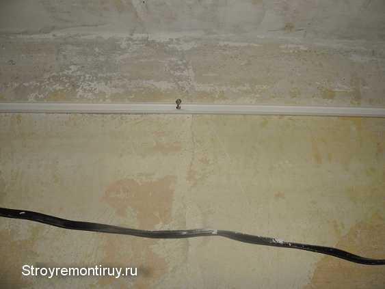 Как крепить кабель канал к стене